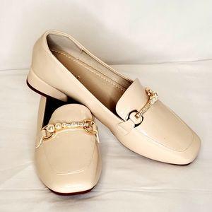 Daphne Women's Slip-On Heeled Loafers